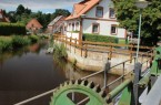 Entlang der Wassermuehle-Liebenau geht der 111 Kilometer lange Radweg. Foto: Mittelwerte-Touristik GmbH