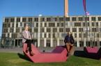 Geballte Wirtschaftskompetenz an der FH Bielefeld: Dekan Prof. Dr. Riza Öztürk und Prodekanin Prof. Dr. Natalie Bartholomäus bilden ein schlagkräftiges Team, Foto: FH Bielefeld