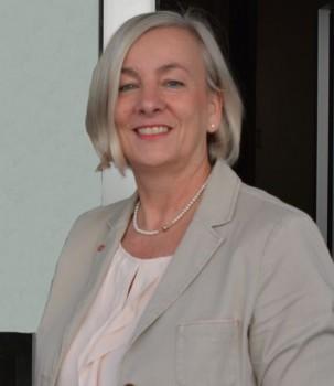 Die Leiterin des Amtes für Verbraucherschutz und Veterinärwesen, Dr. Elisabeth Altfeld, bittet alle Geflügelhalter, sich auf eine mögliche Geflügelpest vorzubereiten