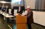 Zu Beginn der Sitzung wurde der wiedergewählte Bürgermeister Michael Dreier durch den Altersvorsitzenden Hartmut Hüttemann in sein Amt eingeführt und vereidigt. Dreier bot allen Mitgliedern im Rat eine gute, vertrauensvolle, respektvolle und zielführende Zusammenarbeit an.Foto: © Stadt Paderborn