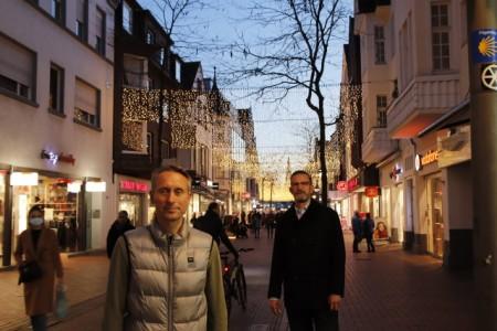 Das Winterlicht der ISG Mittlere Berliner Straße wurde heute entzünde Foto: © Gütersloh Marketing