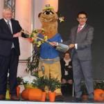 Kamp-Lintfort übergibt Spaten an Landesgartenschau-Stadt Höxter