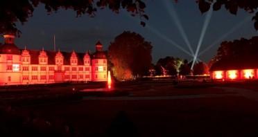 In der Zeit zwischen dem 1. und 4. Advent verwandelt sich der Neuhäuser Schlosspark in eine kunstvolle Lichtinstallation. Foto: Schlosspark und Lippesee - Gesellschaft