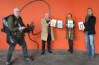 Freuen sich auf das Kulturheimspiel (von links): Filmer Reinhard Jäger, Moderatoren Erwin Grosche und Julia Ures, Veranstalter Markus Runte vom Stadtmuseum. (Das Foto wurde im Oktober 2020 aufgenommen) Foto: Stadt Paderborn
