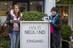 Die Medienpädagoginnen Isabella Kuhne  (rechts im Bild) und Jasmin Rohani haben  das  Jugendmedienprojekt  JuMP  im  Haus   Neuland   nach   acht   Jahren   erfolgreich    abgeschlossen. Foto: Christina Ritzau