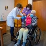 Zweite Schutzimpfung gegen SARS-CoV-2 gestartet
