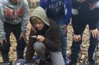 """Milo, Fionn, Janis und Lian beim Dreh des Filmes """"Einmal Erde und zurück"""". Foto: (c) Katinka Sasse"""