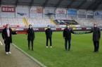 Vorfreude auf die EM 2024 (von links): Ulrich Lange (Bürgermeister Bad Lippspringe), Jürgen Eißmann (Head of Euro 2024), Dirk Floer (Organisation SCP07), Martin Hornberger (Geschäftsführer SCP07) und Michael Dreier (Bürgermeister Paderborn), Foto: Stadt Bad Lippspringe