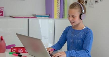 In kostenlosen Online-Kursen können Schülerinnen und Schüler beim Studienkreis lernen, wie man lernt.Foto: Studienkreis