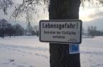 Wunderschön aber gefährlich- Der zugefrorene See an der Freizeitanlage Höxter-Godelheim. Foto: Stadt Höxter