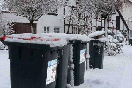 Abfalltonne_im-Schnee_225x150mm