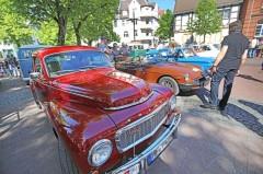 Ein Blickfang auf der La Strada ist der Treffpunkt der Oldtimer-Fans auf dem Klosterplatz.Bild: Bielefeld Marketing/Sarah Jonek