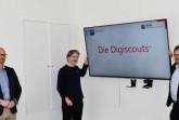 Benjamin Schattenberg, Bodo Venker und Dr. Christoph von der Heiden gaben heute in einem Online-Meeting den virtuellen Startschuss für das vom RKW Kompetenzzentrum in Kooperation mit der IHK initiierten Projekt Digiscouts in Ostwestfalen. Foto: IHK