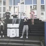 FHM-Studierende gestalten Logo-Skulptur für die Aktion #BielefeldLiebe