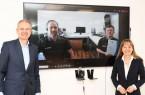 Online-Auszeichnung: In einer Videokonferenz gratulierten IHK-Präsident Wolf D. Meier-Scheuven (l.) und IHK-Hauptgeschäftsführerin Petra Pigerl-Radtke (r.) dem besten Azubi 2020 im Ausbildungsberuf Automatenfachmann, Florian Speer (2. v. r.), und seinem Ausbilder Ron Küsters, Geschäftsführer vom ESK. Foto: IHK