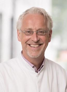 Experte in der Lungenheilkunde: Bernd Schönhofer übernimmt die Klinik für Innere Medizin, Pneumologie und Intensivmedizin am EvKB. Foto: Privat