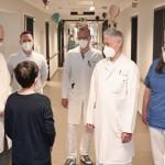Weltpremiere: Ärzte-Team gelingt bei Kind hochpräzise OP mit Roboter-Unterstützung