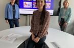 Gemeinschaftswerk: Dilek Altun (Mitte, Fachbereich Organisation und Personal), Inge Trame (l.) und Agnes Bröckling-Kuron (Gleichstellung) stellen den neuen Gleichstellungsplan vor..Foto: Stadt Gütersloh.