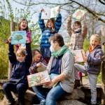 Bertelsmann spendet 550 Kinderbücher an Gütersloher Kitas