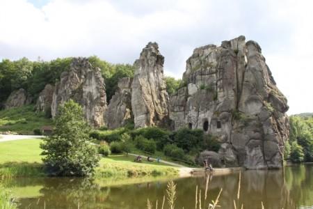 Die Externsteine sind besonders in der Walpurgisnacht ein beliebtes Ausflugsziel Foto: Landesverband Lippe