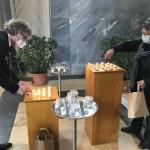 41 Kerzen für Corona-Verstorbene angezündet