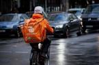 Bei Wind und Wetter unterwegs: Fahrrad-Kuriere bei Lieferando arbeiten zu niedrigen Löhnen und unter hoher Belastung, kritisiert die Gewerkschaft NGG. Foto:NGG