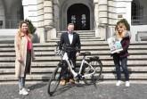 Frauke Heidemann (Radverkehrsbeauftragte), Bürgermeister Tim Kähler und Laetitia Müller (Klimaschutz managerin) freuen sich aufs Stadtradeln (von links)Foto:Stadt Herford