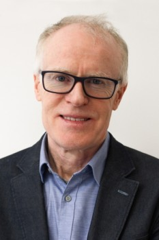 """Prof. Dr. Reinhold Häb-Umbach wurde von der ISCA zum """"Distinguished Lecturer"""" ernannt. Foto: Universität Paderborn"""