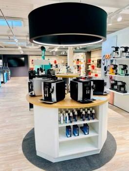 Premium-Kaffee-Praesentation-auf-der-Mustershop-Flaeche-in-Bielefeld