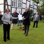 Förderbescheidübergabe durch Ministerin Ina Scharrenbach für Denkmalschutzmaßnahmen am Domhof