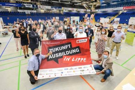 ©Lippe-Bildung-eG---Pressefoto-Infotag-Ausbildung_2020