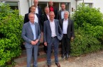 50 Jahre GSR: erste Reihe v.v.l. Harald Grefe (Stv. Hauptgeschäftsführer IHK OWL); Bernhard B. Wuermeling GSR-Geschäftsführer); Landrat Jürgen Müller, zweite Reihe: v.l. Jens Fuhrmann (GSR-Geschäftsführer), Michael Heemann (GSR-Bereichsleiter Vertrieb/Marketing), Michael Beer (GSR Bereichsleiter Technik) 3. Reihe v.l. Michael Seggewiß (Geschäftsführer wfg Kreis HF), Cenk Kökel (GSR-Betriebsrat)
