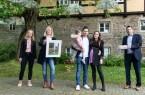 Im Familien.Info.Treff (F.I.T) werden die Gewinner des ersten Fotowettbewerbs ausgezeichnet