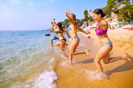 Sommer, Sonne, Strand – ruf Jugendreisen hat in den Som- merferien viele attraktive Ziele in Eu.Foto: