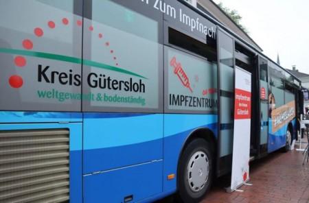 Impfzentrum on Tour: Der Impfbus des Kreises Gütersloh tourt durch das gesamte Kreisgebiet. Foto: Kreis Gütersloh