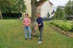 Freuen sich auf interessierte Jugendliche für die Ferienfreizeit am Edersee: Annika Koepe und Fabian Schumann (v.li.)Foto:© MultiCult/Bernadett Ewers