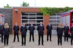 Insgesamt konnten zwei Feuerwehrfrauen und acht Feuerwehrmänner befördert werden (v.l.): Emily Müller (Löschzug Friedrichsdorf – Feuerwehrfrau); Kim Nadine Ortmeier (Löschzug Isselhorst – Brandoberinspektorin); Thorsten Steiling (Löschzug Friedrichsdorf – Brandinspektor); Malte Ebbing (Löschzug Friedrichsdorf – Brandmeister); Andi Krüger (Löschzug Friedrichsdorf – Brandinspektor); David Erfmann (Löschzug Friedrichsdorf – Brandmeister); Janek Burg (Löschzug Isselhorst – Oberbrandmeister); Philipp Clostermeyer (Löschzug Isselhorst – Unterbrandmeister); Stephan Mußenbrock (Löschzug Isselhorst – Brandoberinspektor); Philipp Zurlinden (Löschzug Isselhorst – Hauptfeuerwehrmann).