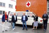 v.l.: Helmut Weishaupt, Jürgen Belger (beide DRK Ortsverein Rheda-Wiedenbrück), Karl-Josef Büscher (Seniorenbeirat), Xenia Dik (Geschäftsleitung DRK Ortsverein), Bürgermeister Theo Mettenborg