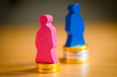 Ein Job, zwei Löhne: Noch immer ist die Bezahlung zwischen Männern und Frauen unterschiedlich hoch. Das kritisiert die Gewerkschaft NGG – und fordert mehr Anstrengungen für die Gleichberechtigung im Arbeitsleben.  Foto: NGG | Alireza Khalili