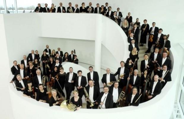 Zu Gast beim Kultursommerauf dem Hans-Werner Henze Platz: die Nordwestdeutsche PhilharmonieFoto:Quelle Stadt Gütersloh