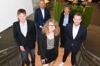 Die Weiterbildungsbesten Matthias Trusch, Lena Schumacher und Jan Streich (vorne, von links) wurden von IHK-Präsident Wolf D. Meier-Scheuven und IHK-Hauptgeschäftsführerin Petra Pigerl-Radtke für ihre herausragenden Leistungen geehrt. Foto: IHK Ostwestfalen