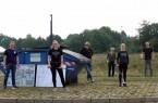 """Organisatorin Judith Meding (2.v.l.) gemeinsam mit dem Team von """"FH Bielefeld räumt auf!"""". (Foto: Benita Schröder/ FH Bielefeld)"""