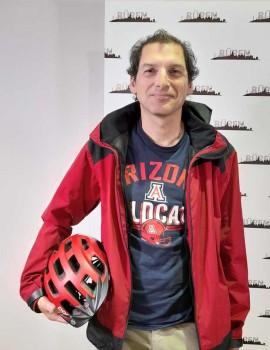 """Christoph Vitt ist ein sehr erfahrener Radfahrer und fährt für Büren in seinem Team """"Radfüchse"""" beim Stadtradeln unter erschwerten Bedingungen mit. Als """"Star"""" darf er drei Wochen lang sein Pkw nicht benutzen und bewegt sich praktisch nonstop auf dem Fahrrad. Foto: ©Stadt Büren"""