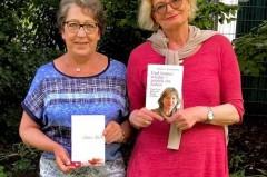 Frauke Täschner, Leiterin der Bielefelder Selbsthilfegruppe (r.), und ihre Stellvertreterin Barbara Bunte (l.) laden zur Lesung ein und freuen sich auf viele Interessierte. Fotocopyright: Anja Simon