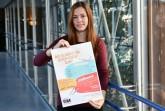 Beim Poetry Slam geht es um den Wettbewerb mit selbstgeschriebenen und vorgetragenen Kurztexten. Wie das geht, können Jugendliche in Workshops in Höxter, Brakel, Warburg und Nieheim lernen, zu denen die GigA-Steuerungsgruppe einlädt. Anmeldungen nimmt Deborah Frischemeier vom Kreis Höxter entgegen. Foto: Kreis Höxter