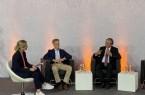 In der ersten Diskussionsrunde des DigiLogs (v. l.): Christiane Boschin-Heinz, Chief Digital Officer der Stadt Paderborn, Professor Günter Wilhelms, Vorsitzender des Paderborner Ethikrats und Bürgermeister Michael Dreier.Foto^:© Stadt Paderborn