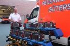 """Insgesamt neun neue Defibrillatoren sind jetzt im Einsatz bei der Feuer- und Rettungswache der Stadt Gütersloh. """"Damit stellen wir vollständig auf die neuste Technik um"""", unterstreicht Andreas Pollmeier, Leiter des Rettungsdienstes. .Foto:Stadt Gütersloh"""